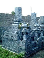 墓石と灯篭