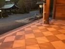 大分県護国神社 床石滑り止め加工の画像2