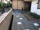 M邸アプローチ完成 ベトナム産石材石張り 表札の画像2